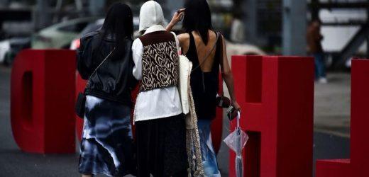 Shanghai Fashion Week Street Style SS22