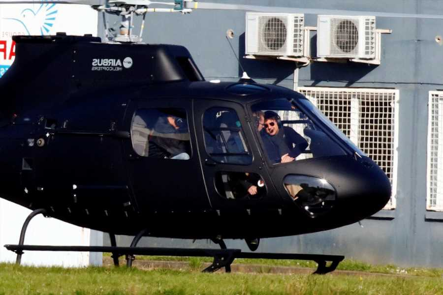 Tom Cruise Lands by Helicopter in a Couple's Yard and Invites Them on a Ride
